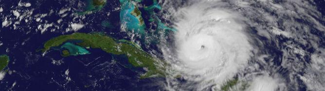 Huragan Irene zbliża się do wybrzeży USA. Zobacz jej trasę na zdjęciach satelitarnych