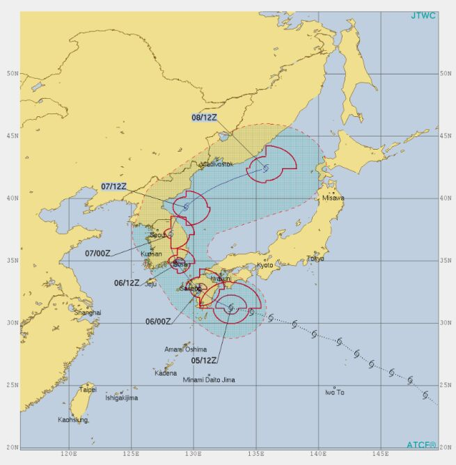 Prognozowana trasa tajfunu Francisco (metoc.navy.mil)