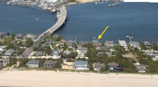 Wyspa na terenie Mantoloking w New Jersey przed i po Sandy (USGS)